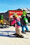 La Tzoumaz, piccoli sciatori Immagine Stock