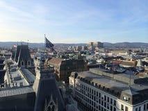 La UE de Viena señala por medio de una bandera sobre House de alcalde imagen de archivo libre de regalías
