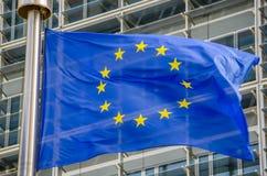 La UE señala por medio de una bandera Imagen de archivo libre de regalías