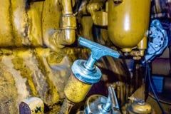 La unidad diesel del generador tiene un filte montado unidad del radiador y del combustible foto de archivo