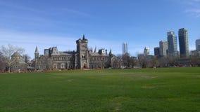 La universidad de Toronto en el corazón de la ciudad Fotos de archivo libres de regalías