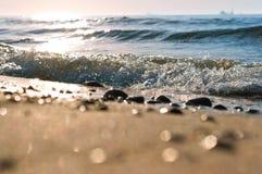 La vague de mer, l'excitation mousse d'eau sur de rivage mer, mer, l'eau bout photo stock