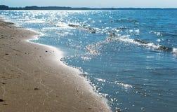 La vague de mer, l'excitation mousse d'eau sur de rivage mer, mer, l'eau bout, littoral images libres de droits
