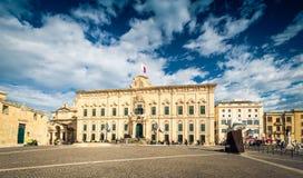 LA VALETA, MALTA - noviembre de 2018: Auberge de Castille en Castille Place fotos de archivo libres de regalías