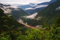 La vallée de la rivière Jinsha Images libres de droits