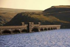 La valle del Galles del fiume claerwen le montagne cambriane Immagini Stock