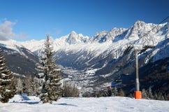La valle di Chamonix-Mont-Blanc nell'inverno Fotografie Stock Libere da Diritti