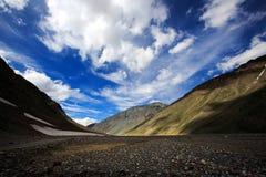 La valle e la roccia dell'alta montagna sistemano in India del Nord Immagini Stock Libere da Diritti