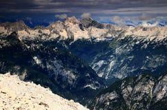 La valle ripida di Trenta con Jalovec e Mangart alza, Julian Alps Immagini Stock Libere da Diritti