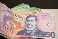 La valuta della Nuova Zelanda nota il fondo immagine stock libera da diritti
