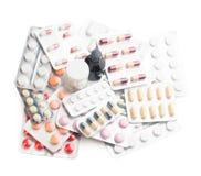 La variété de médicaments a isolé le fond Photo libre de droits
