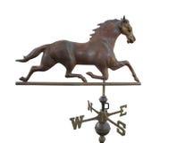 La vecchia aletta di tempo del metallo con un cavallo ha isolato. Immagini Stock