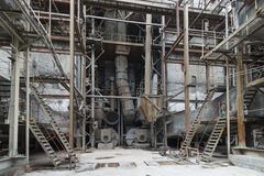 La vecchia attrezzatura in una centrale elettrica Fotografia Stock Libera da Diritti