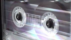 La vecchia audio cassetta che gioca il registratore annaspa retro concetto girante di musica video d archivio