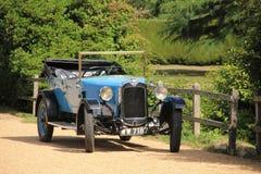 La vecchia automobile del temporizzatore a Beaulieu in Inghilterra di estate Immagini Stock