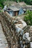 La vecchia casa del mattone del villaggio antico Fotografie Stock Libere da Diritti