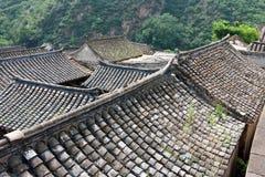 La vecchia casa del mattone del villaggio antico Fotografia Stock