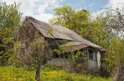 La vecchia casa gettata Fotografie Stock Libere da Diritti