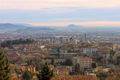 La vecchia città pittoresca di Bergamo Fotografia Stock