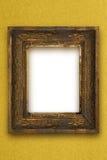 La vecchia cornice di legno classica ha scolpito a mano la carta da parati dell'oro Fotografie Stock Libere da Diritti