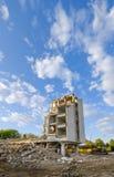 La vecchia costruzione sta demolenda Fotografie Stock