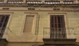 La vecchia facciata è balcon fotografia stock libera da diritti