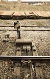 La vecchia luce del treno firma la vista dentro invecchiata Fotografia Stock Libera da Diritti