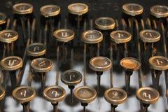 Vecchie chiavi della macchina da scrivere fotografia stock libera da diritti