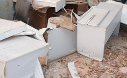 La vecchia mobilia per ricicla Fotografia Stock
