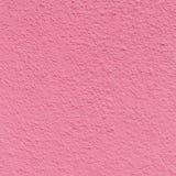 La vecchia parete del condominio nel colore rosa Struttura della superficie sbucciata Fotografia Stock