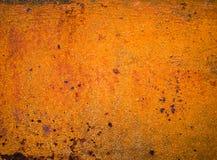 La vecchia pittura sul metallo del pavimento ha corroso la struttura fotografia stock
