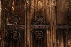 La vecchia porta ha forgiato la decorazione Fotografia Stock