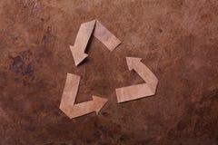 La vecchia priorità bassa del parer con ricicla il segno Immagine Stock Libera da Diritti