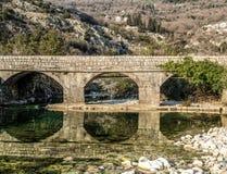 La vecchia riflessione del ponte Fotografia Stock
