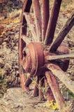 La vecchia ruota di vagone di legno Immagini Stock Libere da Diritti
