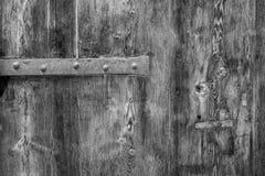La vecchia struttura di legno rustica con le parti di metallo, perfeziona per un fondo immagini stock libere da diritti