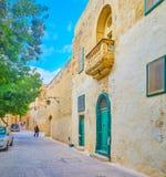La vecchia struttura residenziale nella fortezza di Mdina, Malta fotografia stock libera da diritti