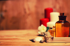 La vela del balneario limpia las botellas Foto de archivo libre de regalías