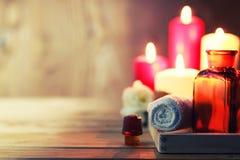 La vela del balneario limpia las botellas Imágenes de archivo libres de regalías