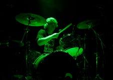 La venda inglesa del rock duro muere así que líquido vivo en etapa Fotografía de archivo
