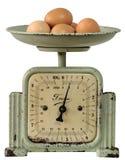 La vendimia cocina-escala con los huevos Imagen de archivo libre de regalías