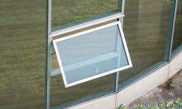 La ventana abre Foto de archivo libre de regalías