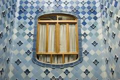La ventana en las casas Battlo Foto de archivo