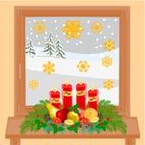 La ventana y el advenimiento del invierno de la decoración de la Navidad enrruellan vector Imagenes de archivo