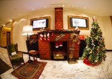 La vente de nouvelle année de Noël dans un grand mail Photo libre de droits