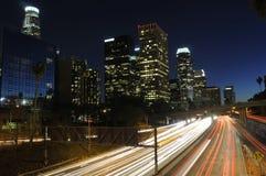 LA-Verkehr nachts stockfotografie