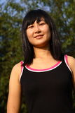 La verticale chinoise de jeunes femmes Photo stock