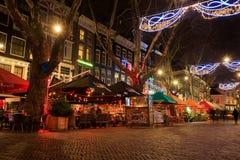 La via decorata con le luci di Natale, Amsterdam fotografia stock