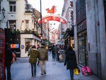 La via di Carnaby a Londra ha decorato per il Natale Fotografia Stock Libera da Diritti