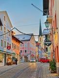 La via di Garmisch-Partenkirchen si è illuminata per il Natale Immagine Stock Libera da Diritti